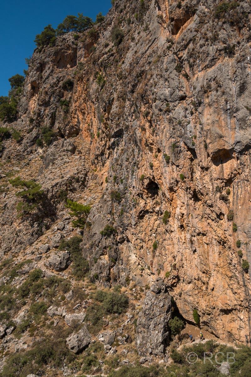 Aradhena-Schlucht, Ausstieg Richtung Agio Ioannis