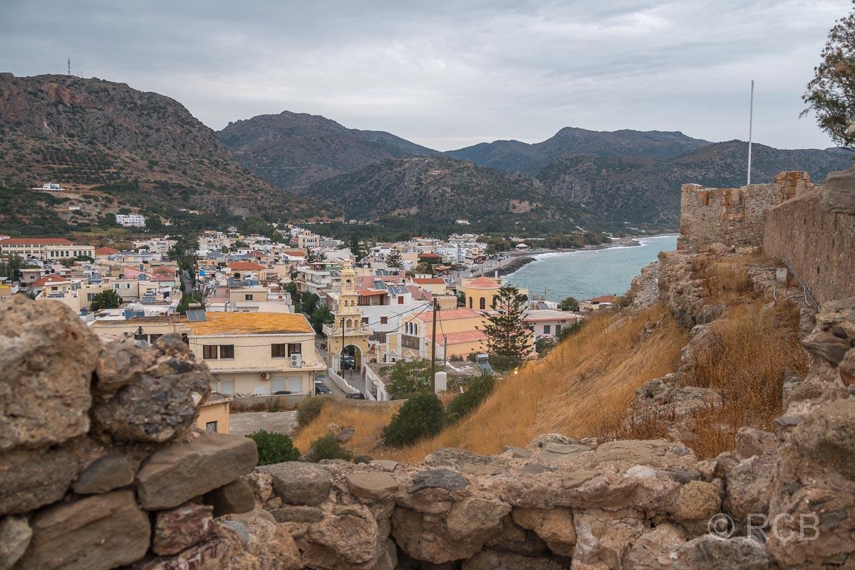 Blick vom venezianischen Kastell auf den Ort Paleochora