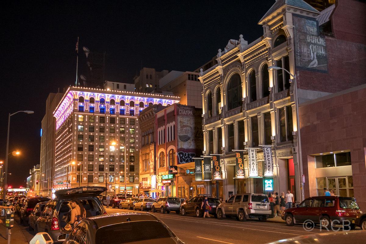 Champa Street, Downtown Denver bei Nacht