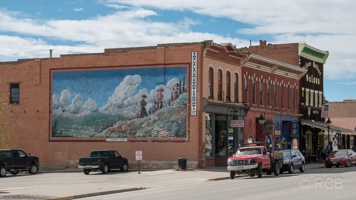 Straßenszene und Wandbild in Leadville