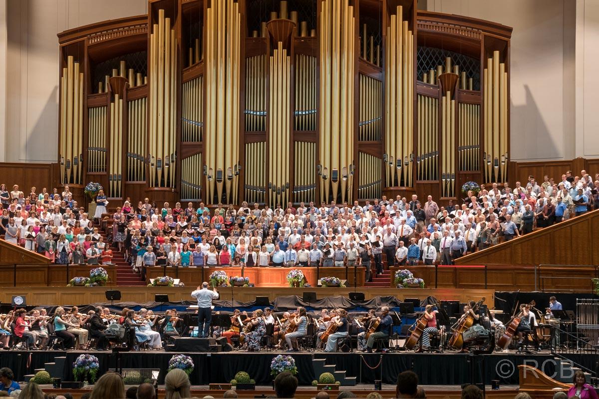 Mormon Tabernacle Choir bei einer Probe im Conference Center, Salt Lake City
