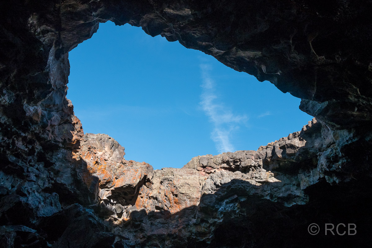 Loch in der Decke des Indian Tunnel, Craters of the Moon NM