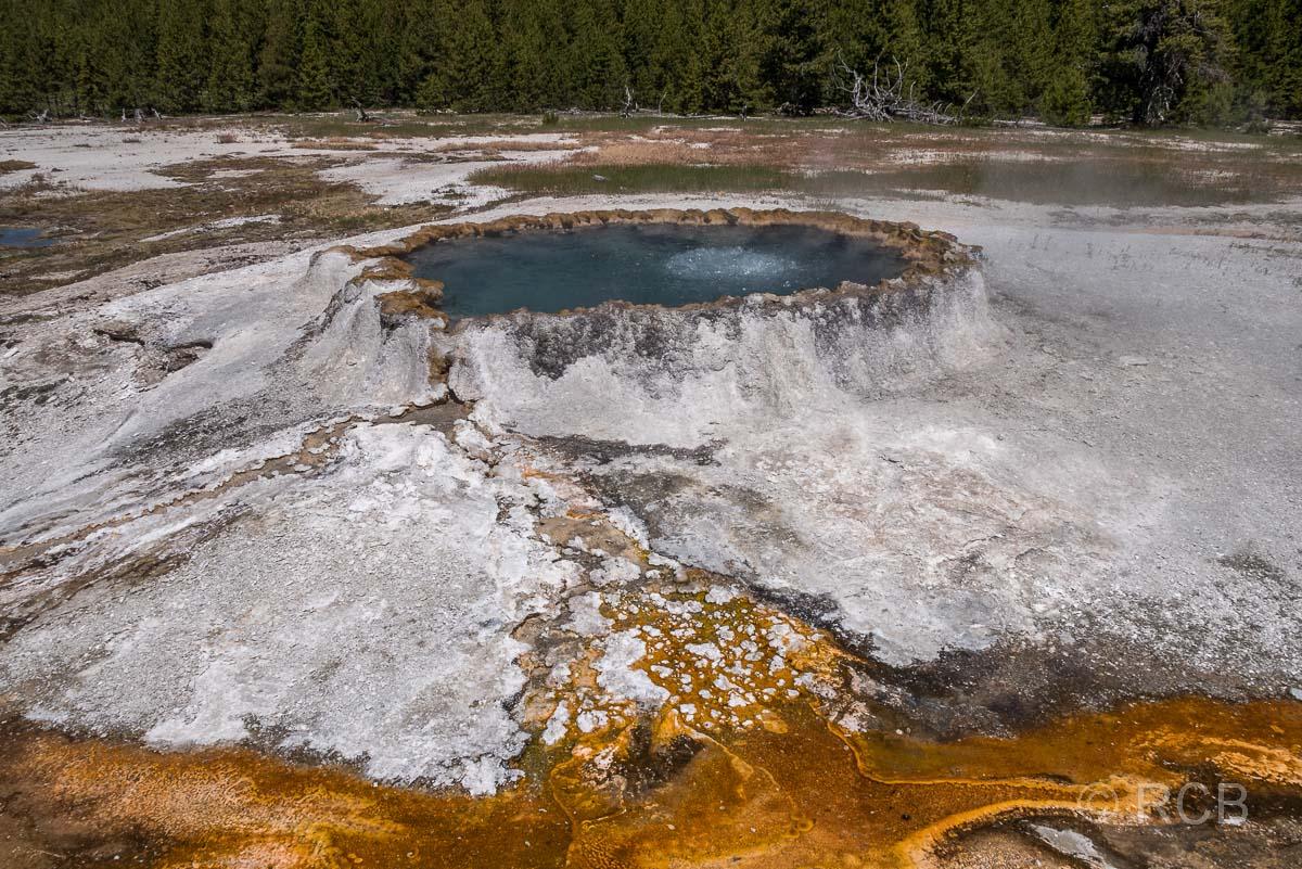 Upper Geyser Basin: Punch Bowl Spring, Yellowstone NP