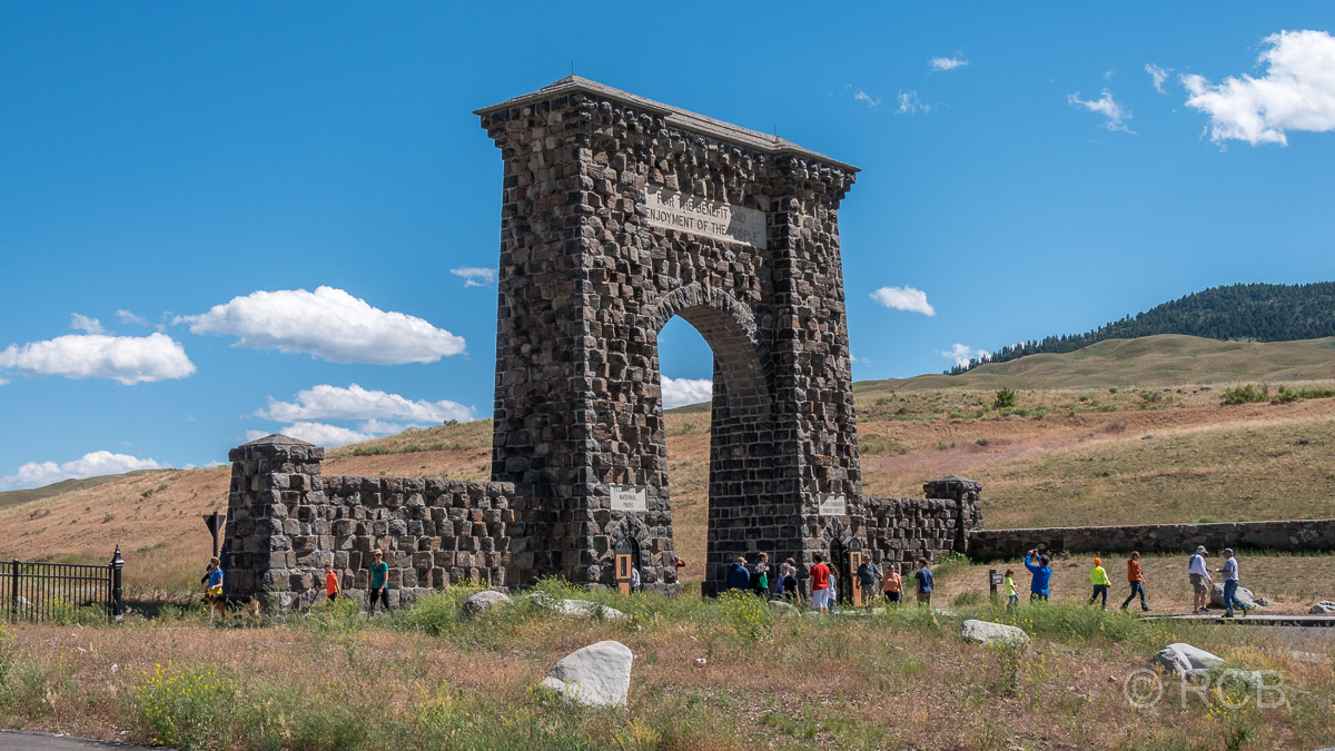 Roosevelt Arch am Nordeingang des Yellowstone NP in Gardiner