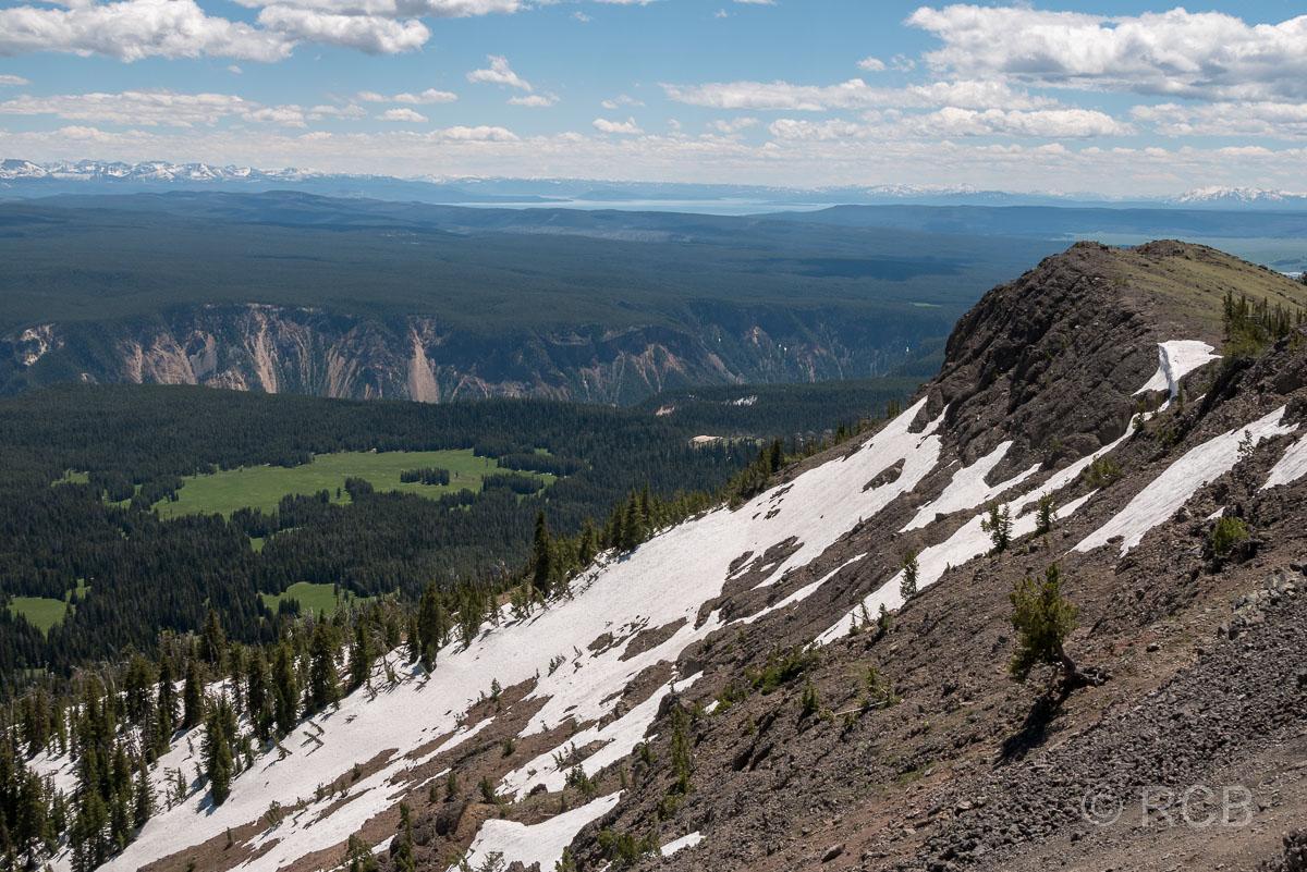 Ausblick vom Mount Washburn Trail über den Grand Canyon of the Yellowstone zum Yellowstone Lake, Yellowstone NP
