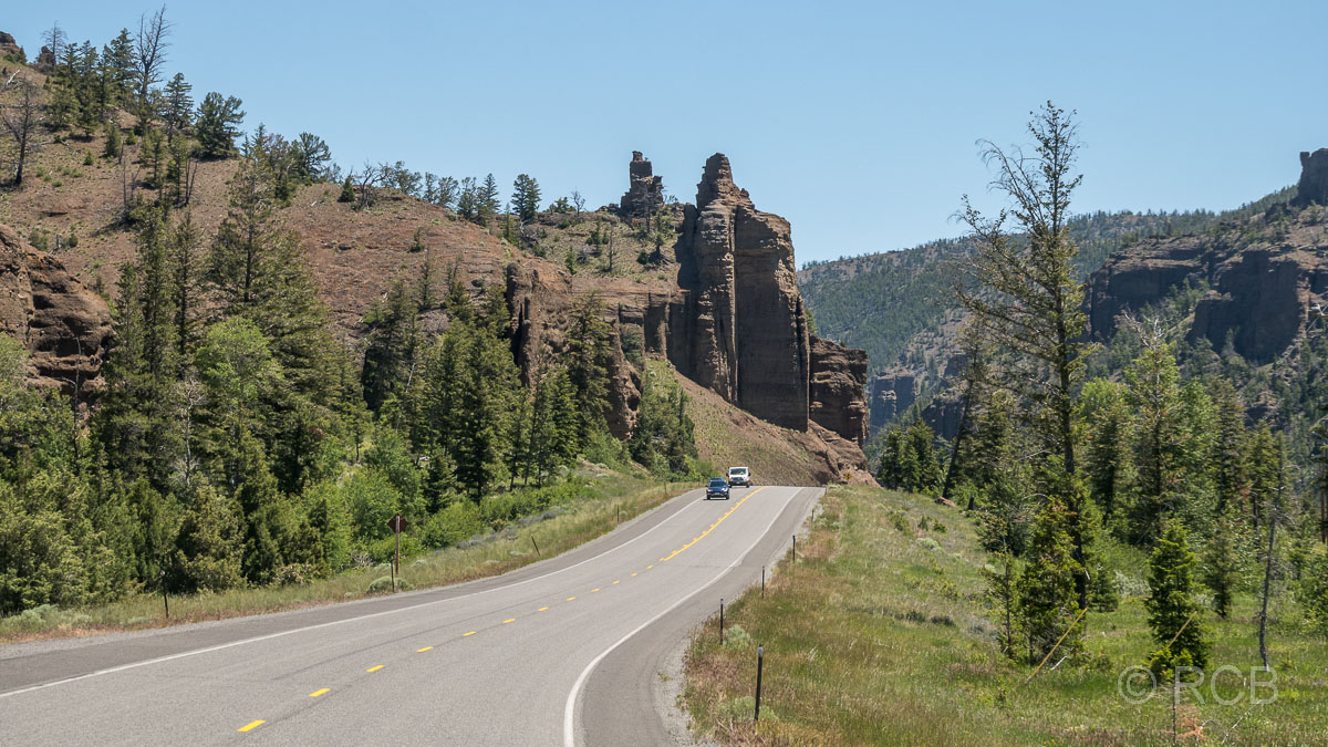 Straße im Tal des Shoshone River