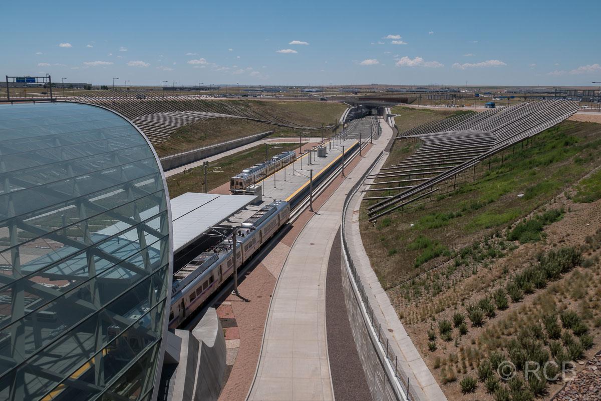 Flughafen Denver, Metrobahnhof