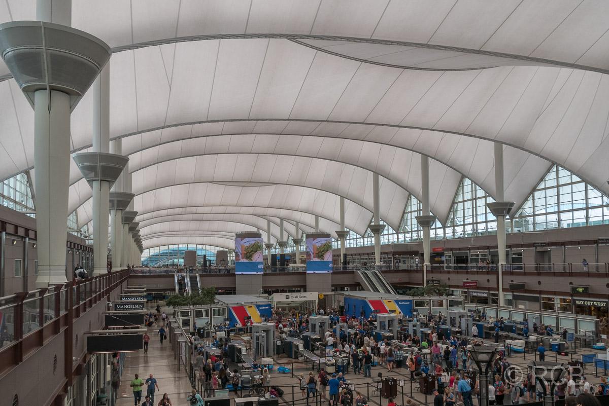 Flughafen Denver, Ankunftshalle