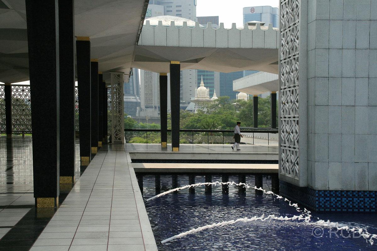 Brunnen im Hof der Nationalmoschee