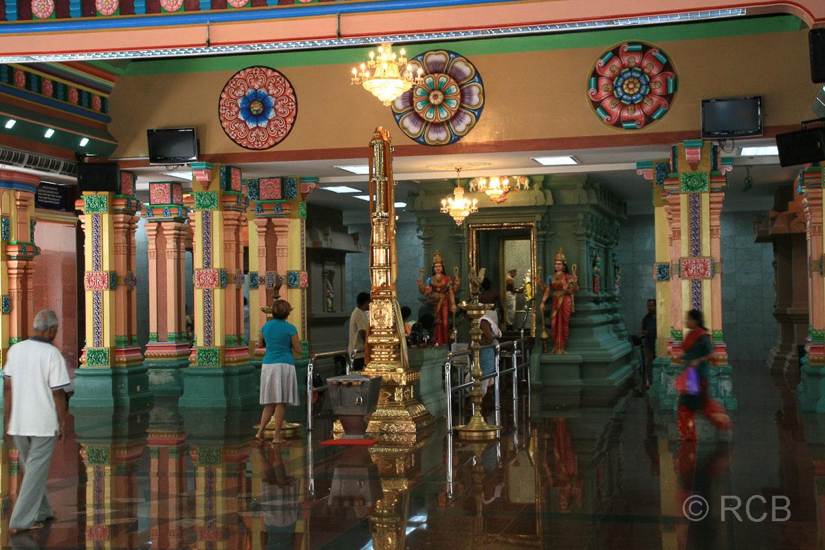 Inneres des Sri Mahamariamman-Tempel