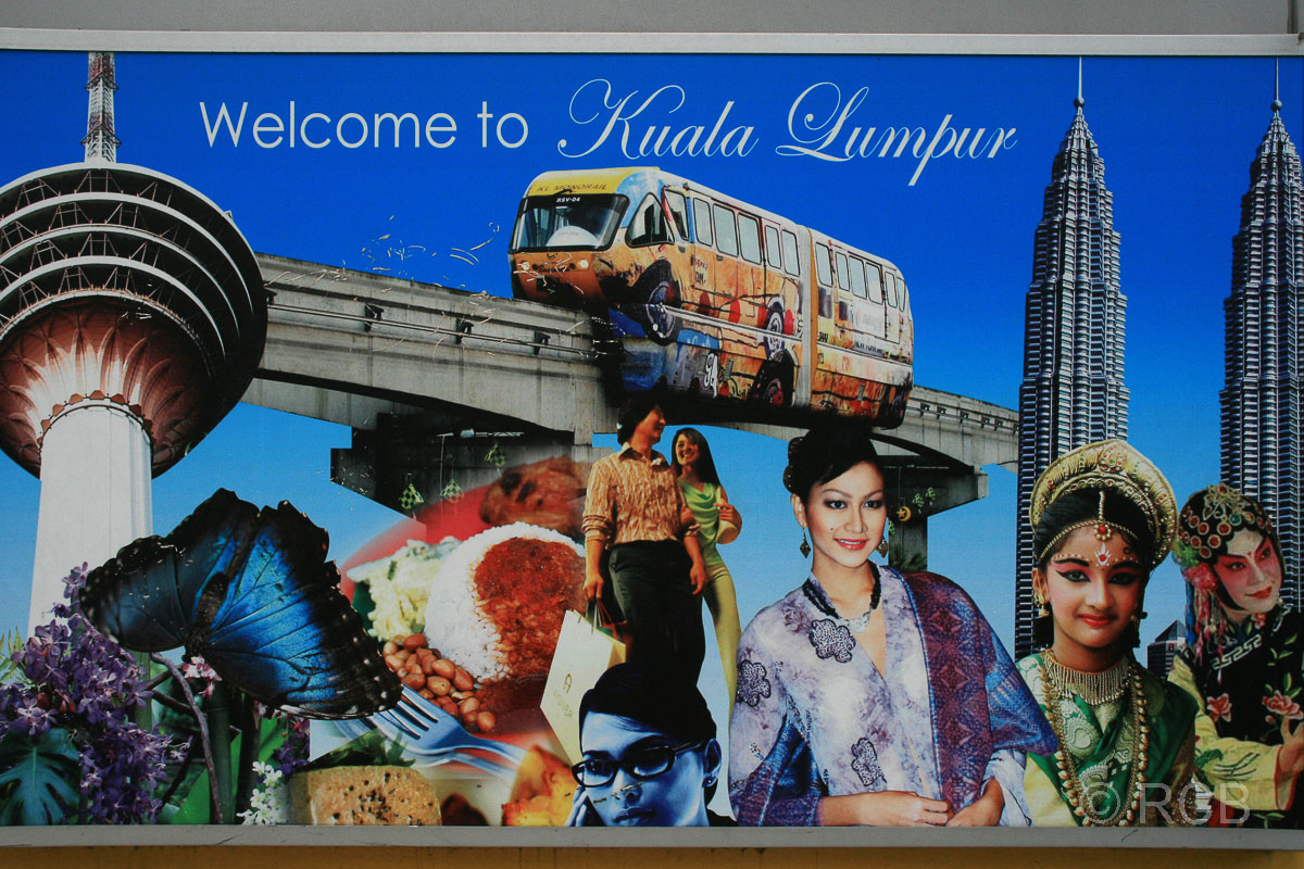 """Begrüßungstafel mit dem Schriftzug """"Welcome to Kuala Lumpur"""""""
