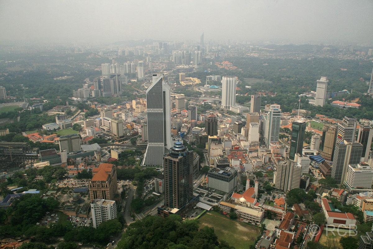 Blick vom Menara KL Richtung Merdeka Square und Nationalmoschee