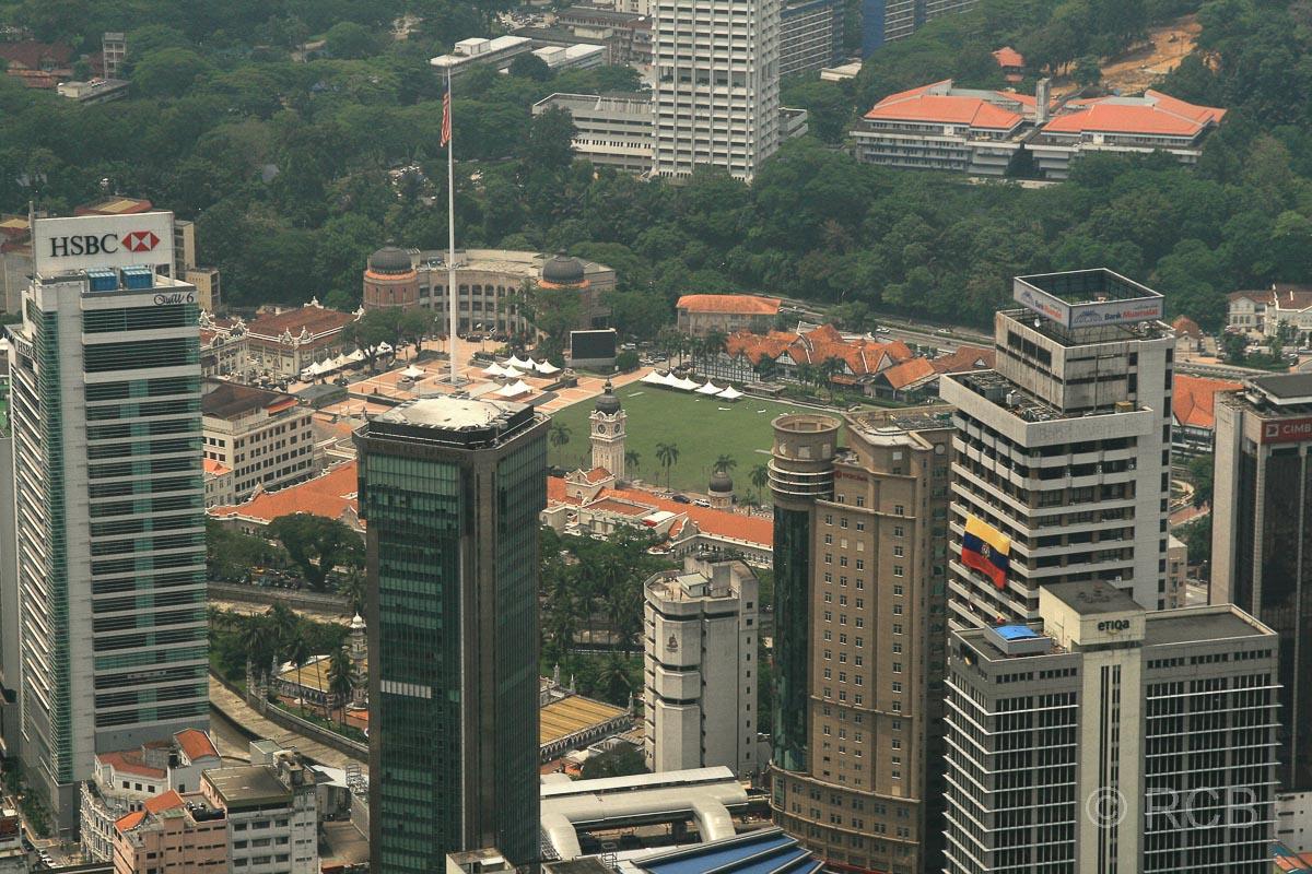 Blick vom Menara KL zum Merdeka Square