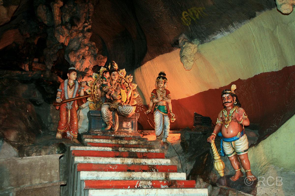 hinduistische Heiligenstatuen in den Batu Caves