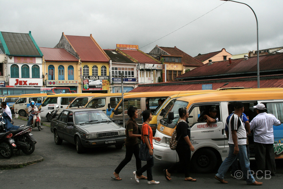 Minibus-Bahnhof in Kuching