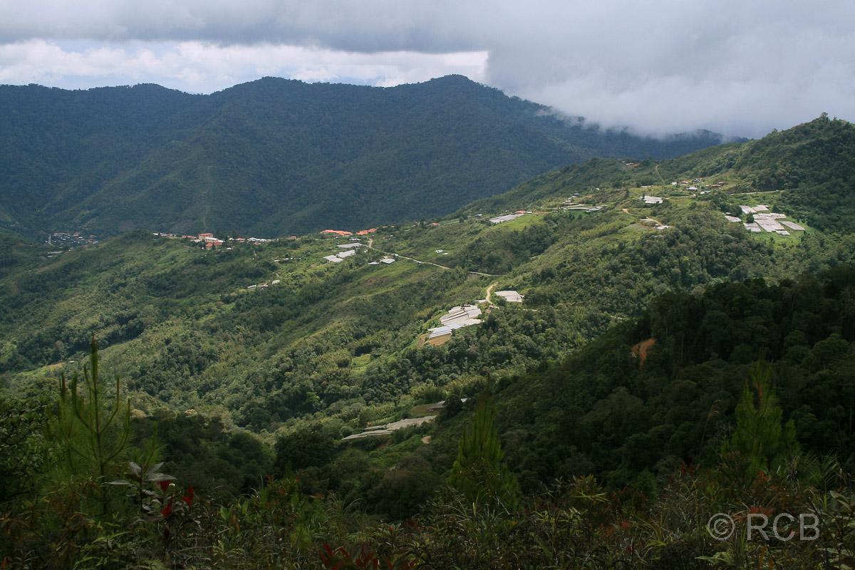 Ausblick von der Bundu Tuhan-Hütte, Kinabalu National Park