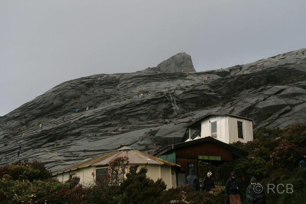 Sayat Sayat-Hütte unterhalb des Gipfel des Mt. Kinabalu