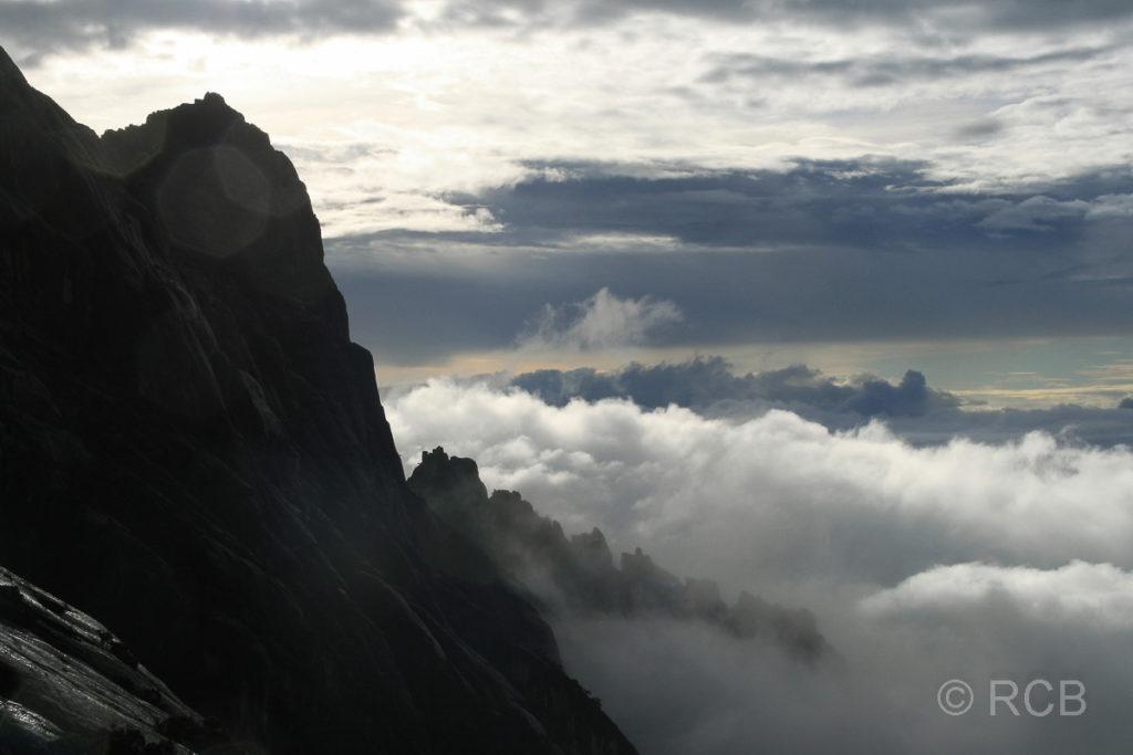 Blick vom Gipfelplateau des Mt. Kinabalu