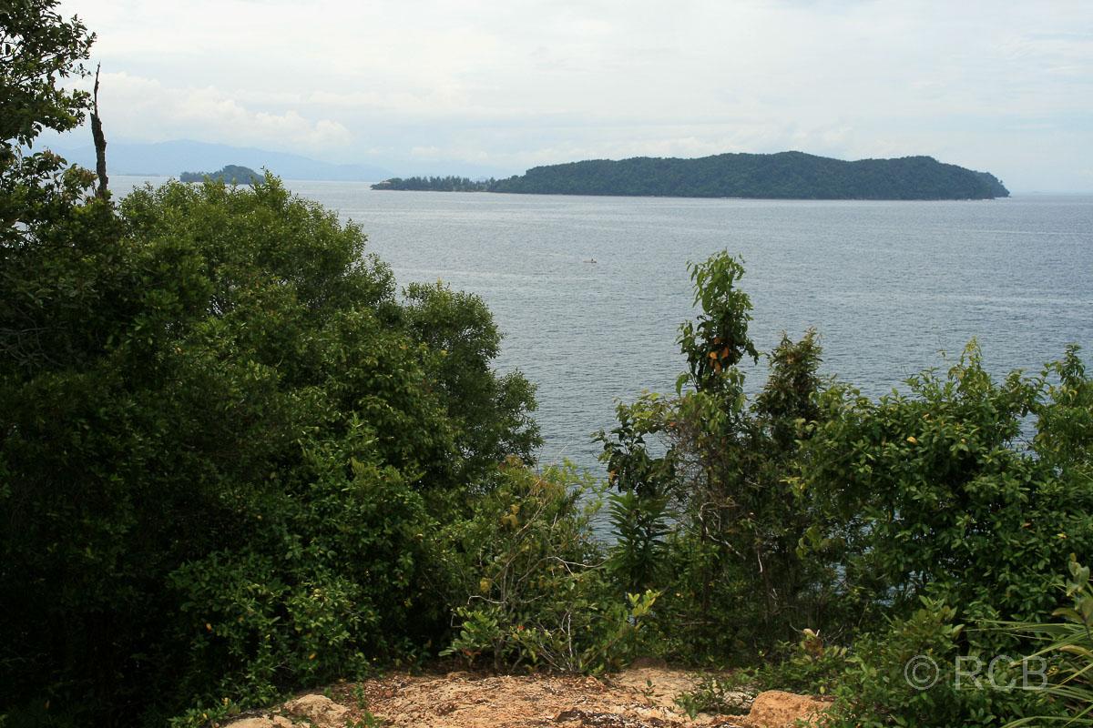Pulau Sapi, Blick zur Nachbarinsel Pulau Manukan