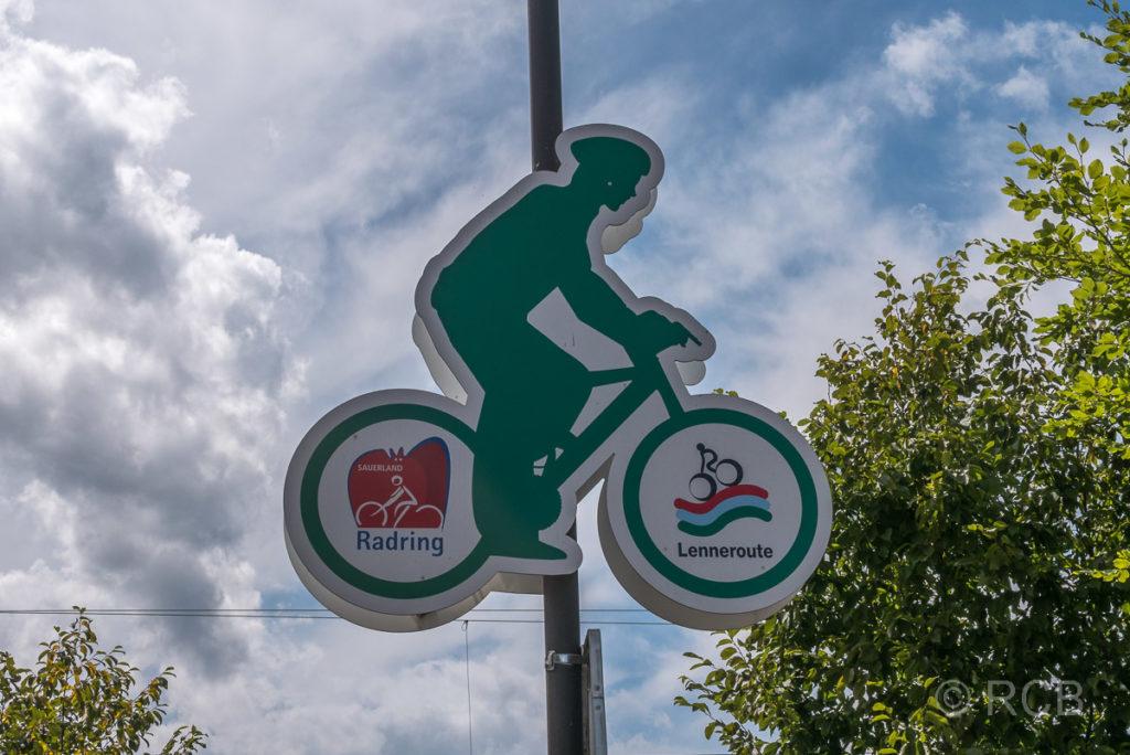 Fahrradschild SauerlandRadring und Lenneroute