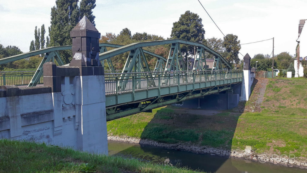 Brücke über die Emscher
