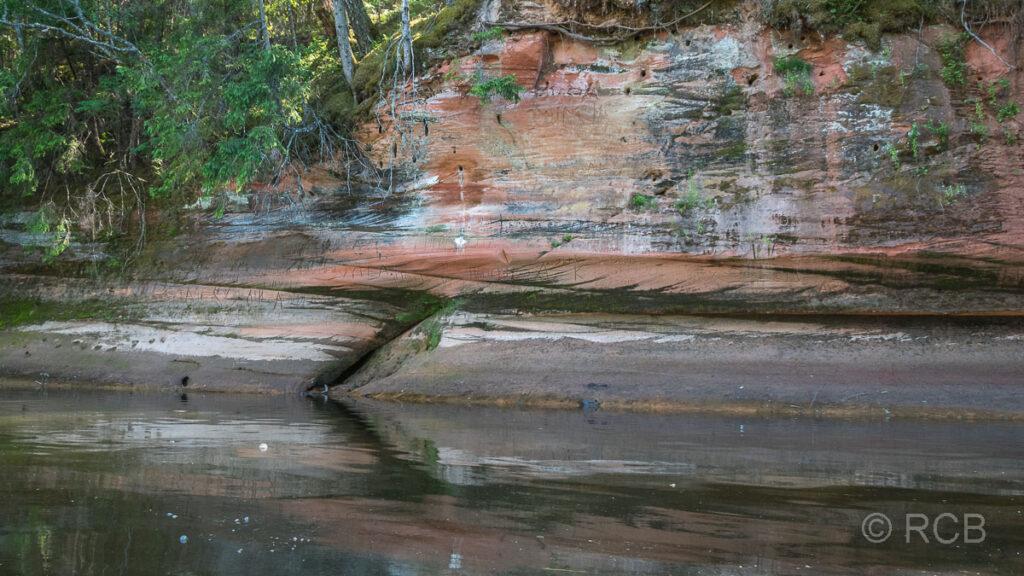 Sandsteinfelsen am Ufer der Gauja