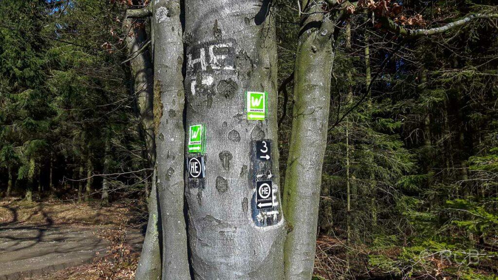Wanderhinweisschilder