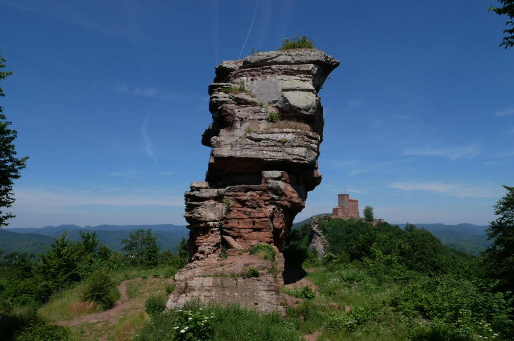 Burgruine Anebos und Burg Trifels