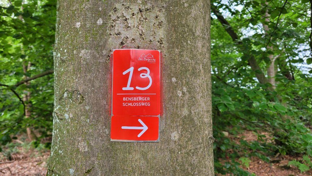 Wegweiser am Bensberger Schlossweg
