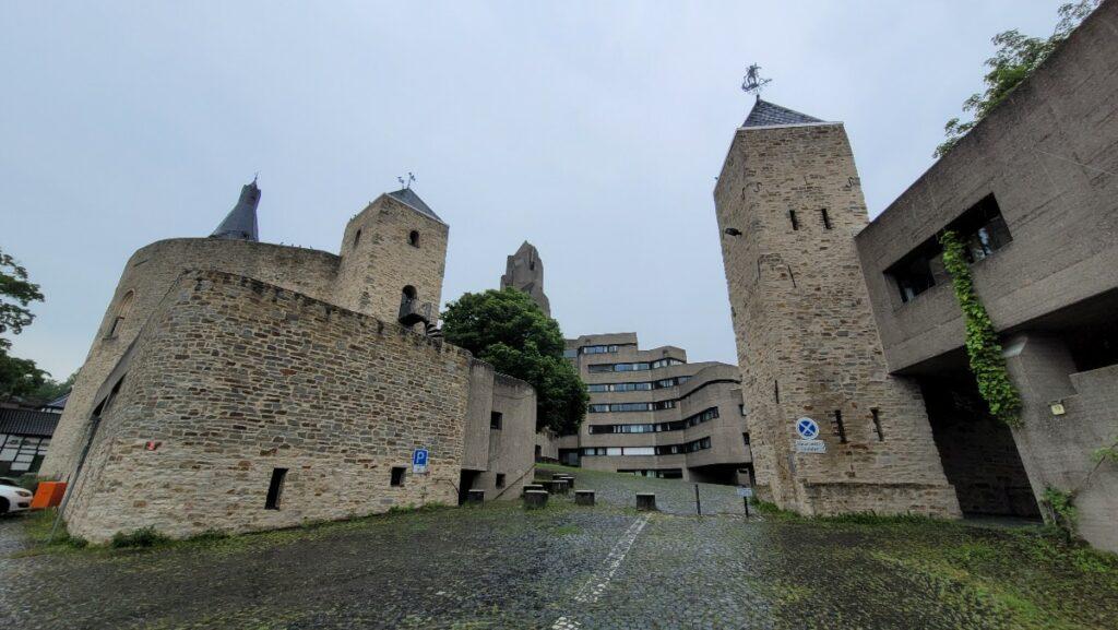Altes Schloss und Rathaus Bensberg